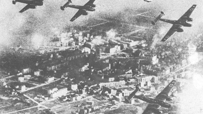 1939 rok działania wojenne między 1 a17 września. Agresja Niemiec naPolskę| AtamanShop.pl